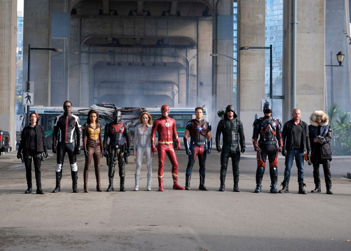 legends-of-tomorrow-season-3-crisis-on-earth-x-crossover-image-14