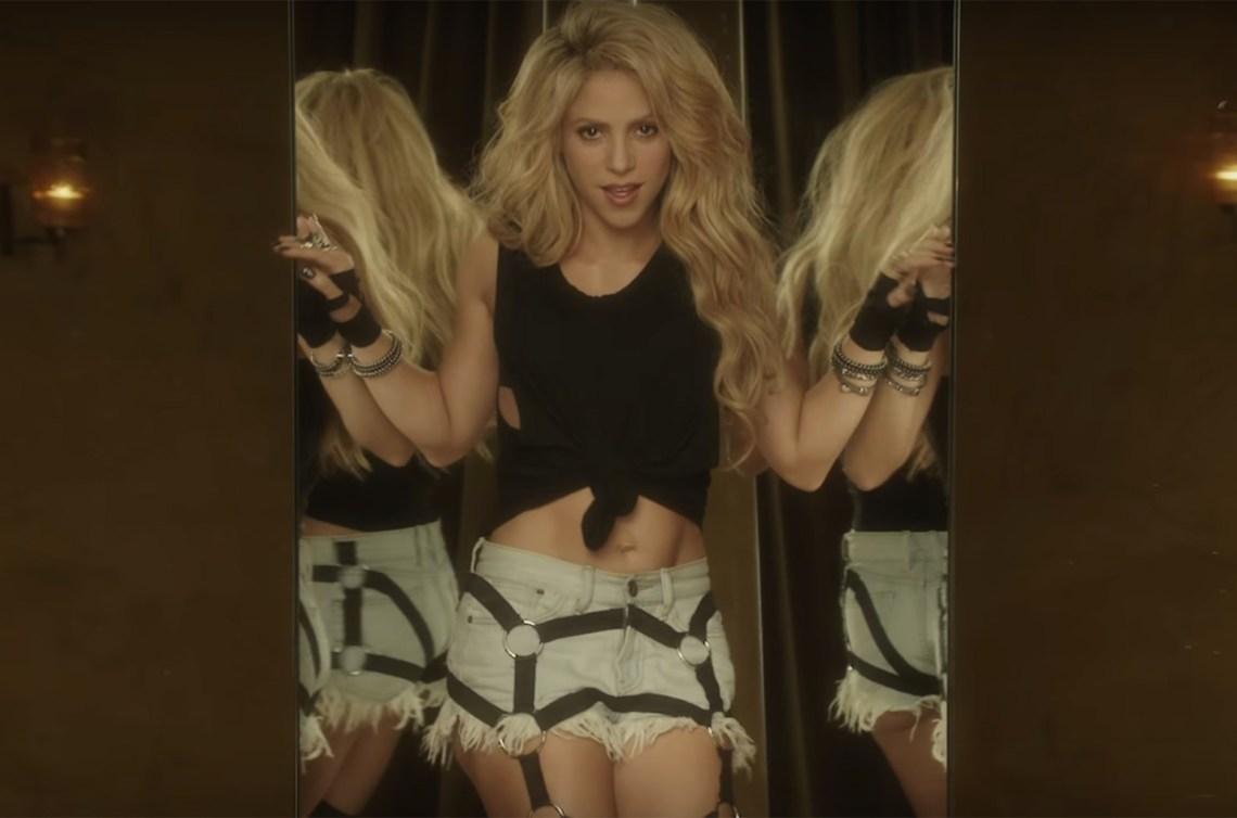 02-Shakira-Chantaje-vid-2016-billboard-1548