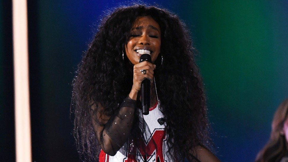 1280-sza-2018-grammys-KevinWinter-GettyImages-911551002