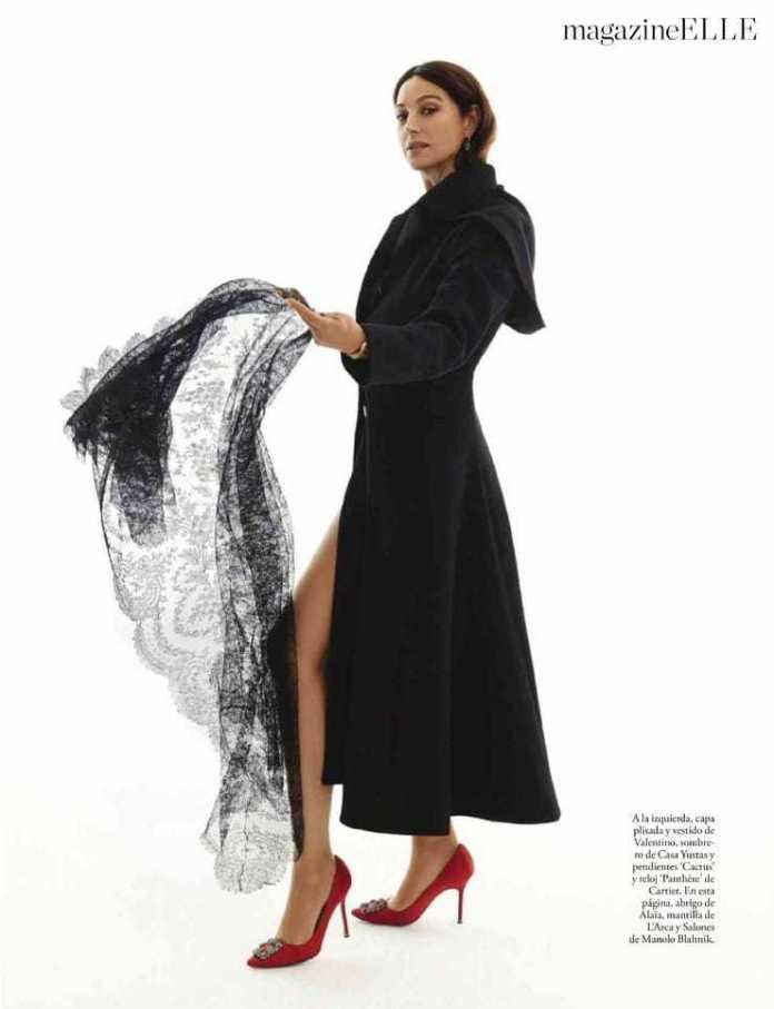 Monica Bellucci feet sexy