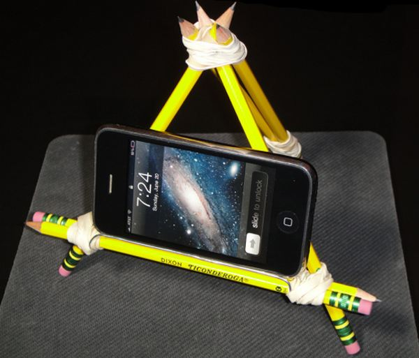 dock-smartphone-pencil-rubber-band-clip