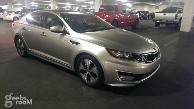 Kia-optima-hybrid-2013-1