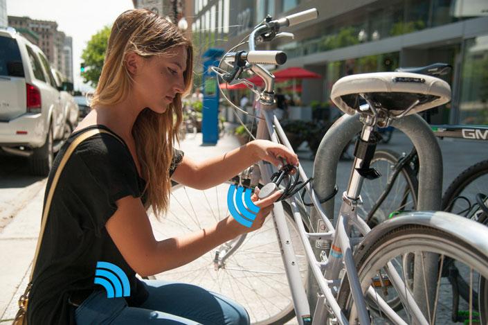 noke-girl-with-bike