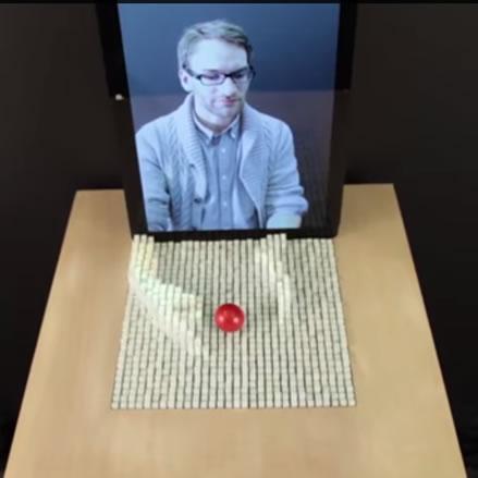 InForm del MIT, interactuar y mover objetos a distancia  mediante telepresencia