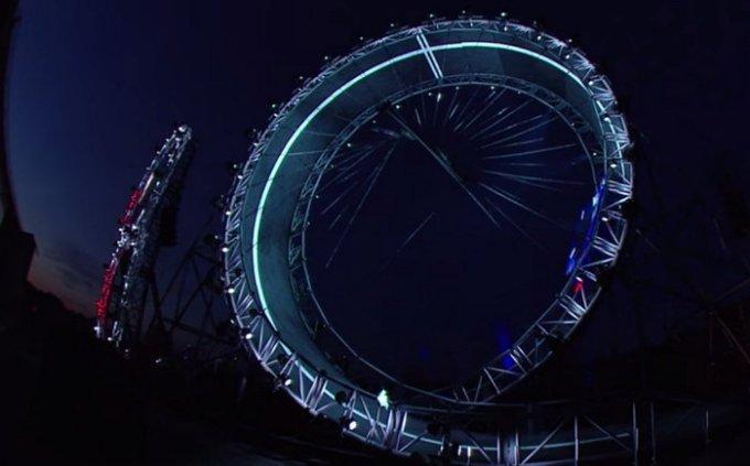 jaguar-f-pace-reveal-loop-the-loop