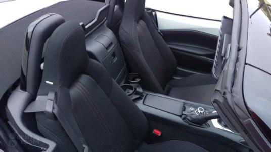 Mazda-MX-5-Miata-2016-09