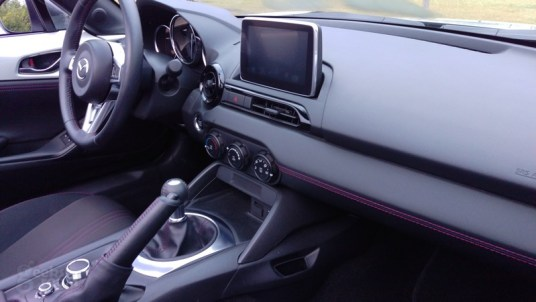 Mazda-MX-5-Miata-2016-11