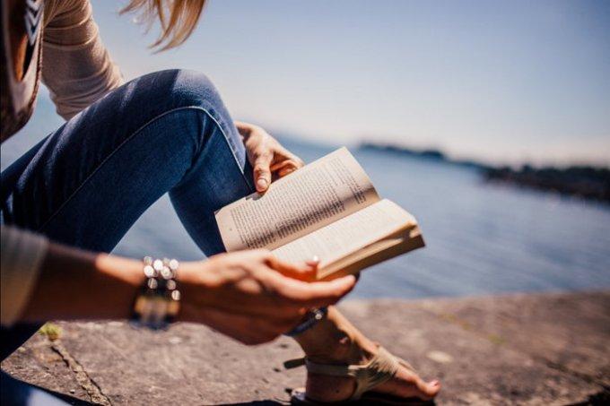 Leyendo libros