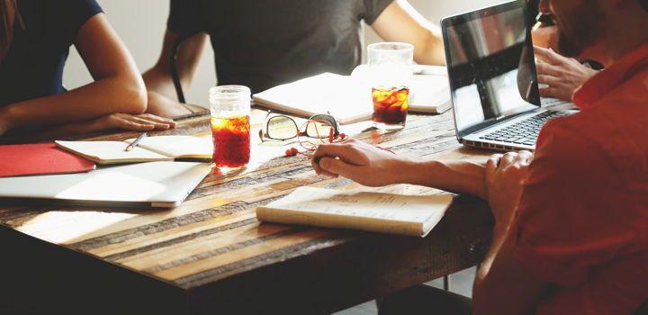 El 80% de las empresas que ofrecen empleos consulta los perfiles de candidatos en las redes sociales 1