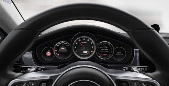Porsche-Panamera-2017-10