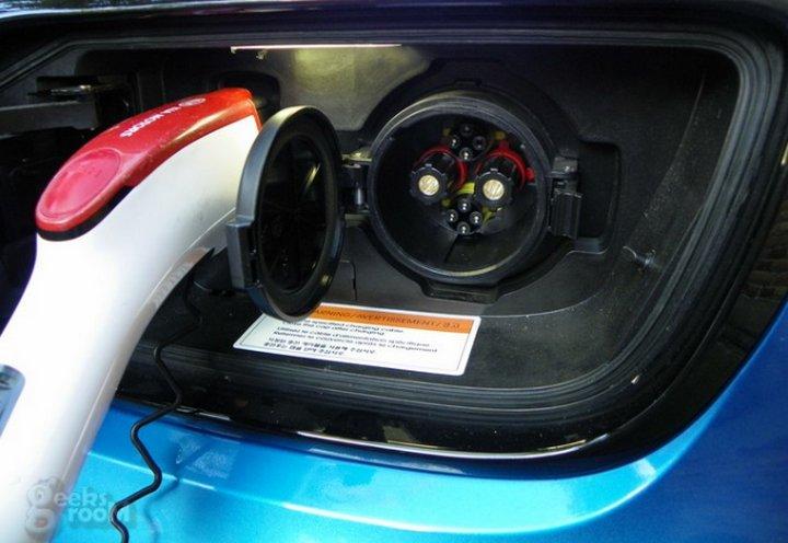 Elon Musk contento pues Noruega piensa prohibir ventas de vehículos de combustible
