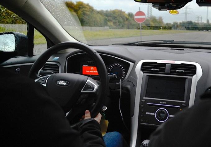Ford - Sistema de Alerta de Conducción en Contramano