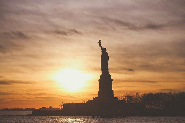 Uber, Lyft y Google donan y recaudan fondos para ayudar a los inmigrantes afectados por orden ejecutiva de Trump