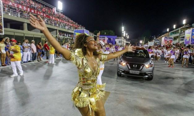 6 Nissan Kicks se pasean con la escuela de samba Salgueiro en su ensayo general previo al Carnaval de Rio