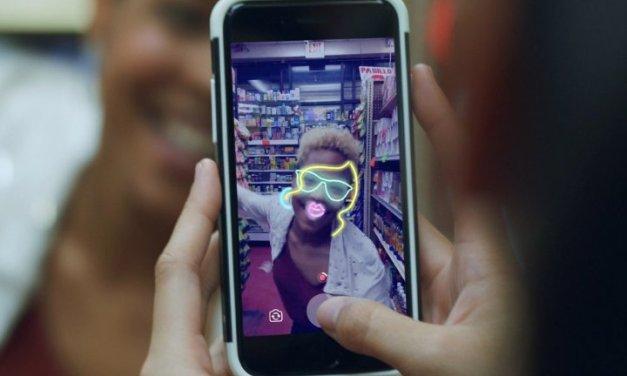 Facebook introduce nueva Cámara con efectos, Historias y Directo para compartir en privado