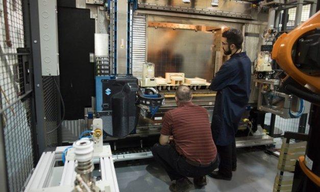 Ford comenzó a probar la construcción de partes de vehículos a través de impresión 3D