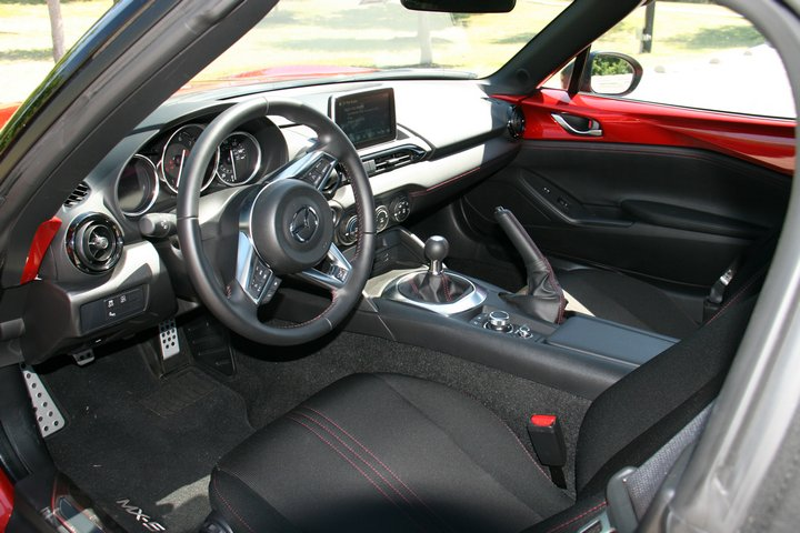 Mazda MX-5 Miata Club MT 2017