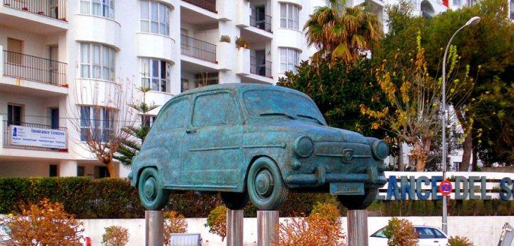 SEAT 600 Monument