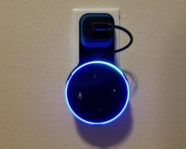 Outlet Wall Mount para Echo Dot