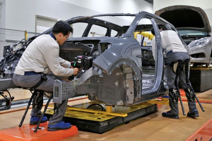 Hyundai - Exoesqueleto H-CEX