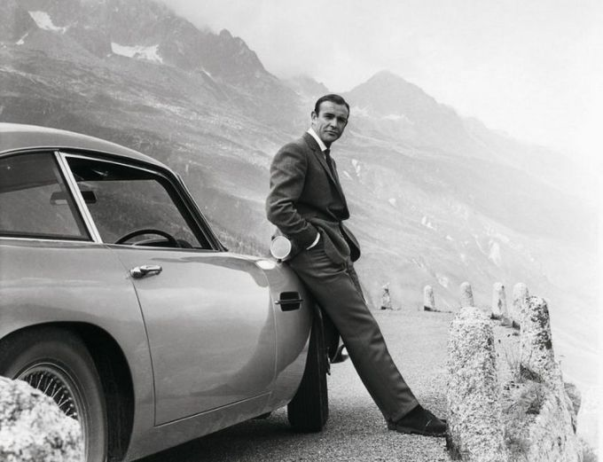 James Bond 007 - Sean Conery - Aston Martin DB5 - Goldfinger