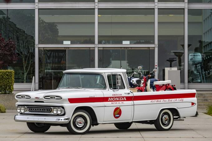 American Honda Motor - Chevy Apache 1961 Restaurada