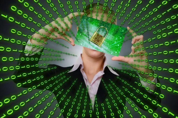 Malware - Ransomware - Código Binario - Candado
