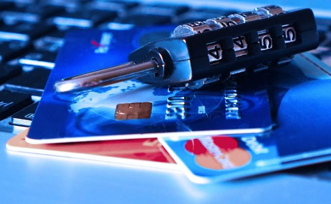 Robos de Datos - Candado - Tarjetas de Crédito