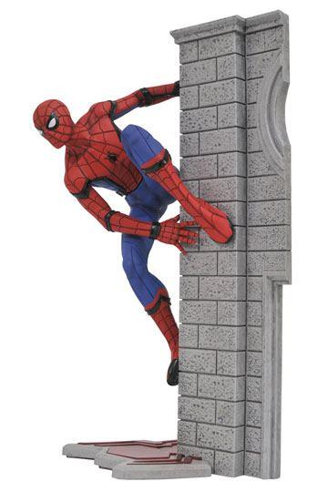 d_diamaug172644 Spider-Man Homecoming Marvel Gallery PVC Szobor - Spider-Man 25 cm