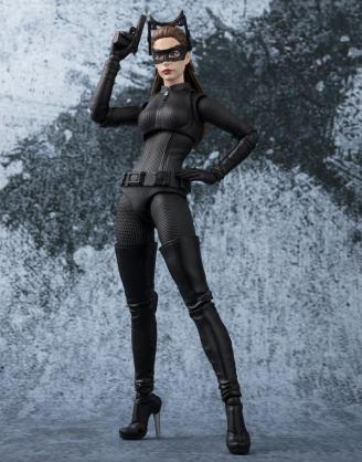 x_btn23926-0 Batman The Dark Knight S.H. Figuarts Akciófigura - Catwoman Tamashii Web Exclusive 15 cm