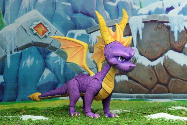 x_neca41340 Spyro the Dragon akciófigura - Spyro 20 cm