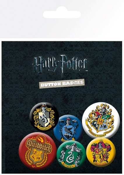 x_gye-bp0698 Harry Potter - Crests kitűzők Egy csomagban 6 db kitűző található. Harry Potter Pin Badges 6-Pack Crests