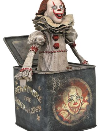 It Chapter Two Gallery PVC Diorama - Pennywise in Box 23 cm