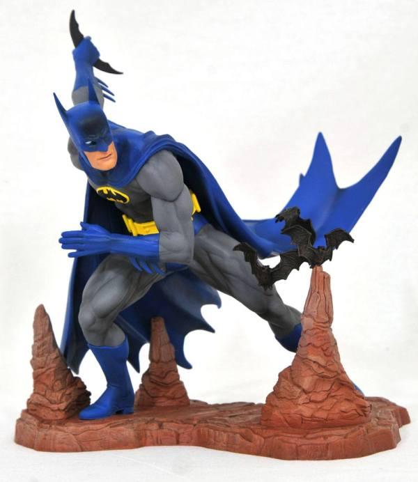 DC Comic Gallery PVC Szobor - Batman by Neal Adams Exclusive 28 cm