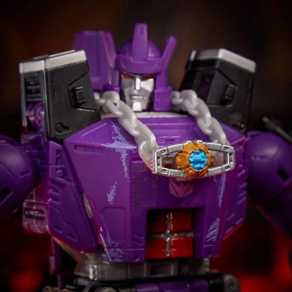 Transformers Generations War for Cybertron: Kingdom Leader Class Akciófigura - Ultra Magnus