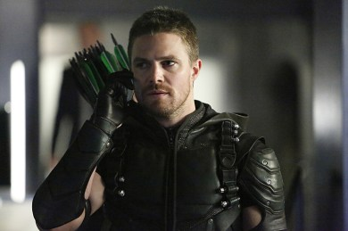 """Arrow -- """"Taken"""" -- Image AR415b_0055.jpg -- Pictured: Stephen Amell as Oliver Queen / The Green Arrow -- Photo: Bettina Strauss/ The CW -- © 2016 The CW Network, LLC. All Rights Reserved."""