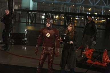 "The Flash -- ""King Shark"" -- Image FLA215b_0120 -- Pictured (L-R): Grant Gustin as Barry Allen / The Flash, Danielle Panabaker as Caitlin Snow, and David Ramsey as John Diggle -- Photo: Bettina Strauss/The CW -- © 2016 The CW Network, LLC. All rights reserved"