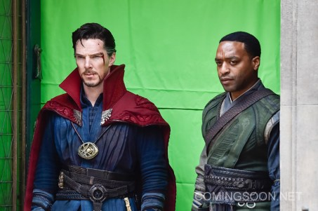 "NEW YORK, NEW YORK - APRIL 02: Actors Benedict Cumberbatch (L) and Chiwetel Ejiofor are seen filming ""Doctor Strange"" on location on April 2, 2016 in New York City. (Photo by Michael Stewart/GC Images)"