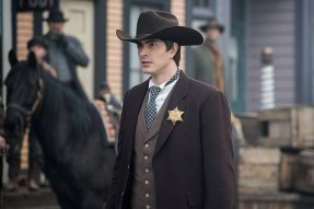 "DC's Legends of Tomorrow -- ""The Magnificent Eight""-- LGN111b_0100.jpg -- Pictured: Brandon Routh as Ray Palmer/Atom -- Photo: Dean Buscher/The CW -- © 2016 The CW Network, LLC. All Rights Reserved"