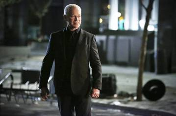 """Arrow -- """"Schism """" -- Image AR423b_0193b.jpg -- Pictured: Neal McDonough as Damien Darhk -- Photo: Bettina Strauss/The CW -- © 2016 The CW Network, LLC. All Rights Reserved."""