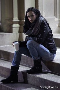 """NEW YORK, NY - OCTOBER 31: Krysten Ritter as Jessica Jones filming Marvel's """"The Defenders"""" on October 31, 2016 in New York City. (Photo by Steve Sands/GC Images)"""