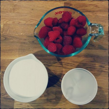 making raspberry simple syrup