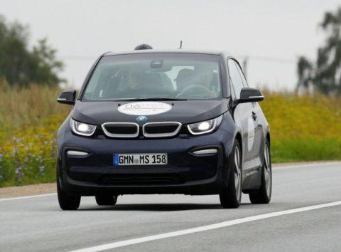 bmw-480x354 【EV】BMWがEV生産強化 2023年までに販売車のEV比率を20%に引き上げ