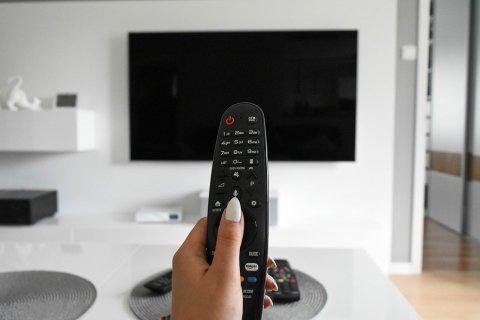 tv-4308537_1280-480x320 【PC】液晶テレビのモニターをPC用のモニターとして使うのって