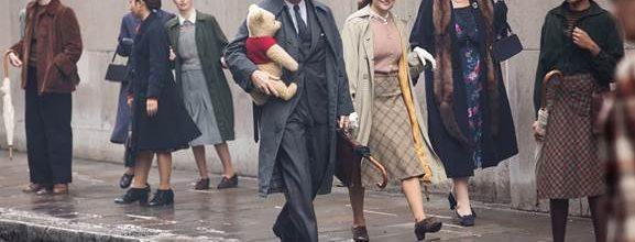 """Ewan McGregor Interviews Winnie the Pooh in New """"Christopher Robin"""" Featurette"""