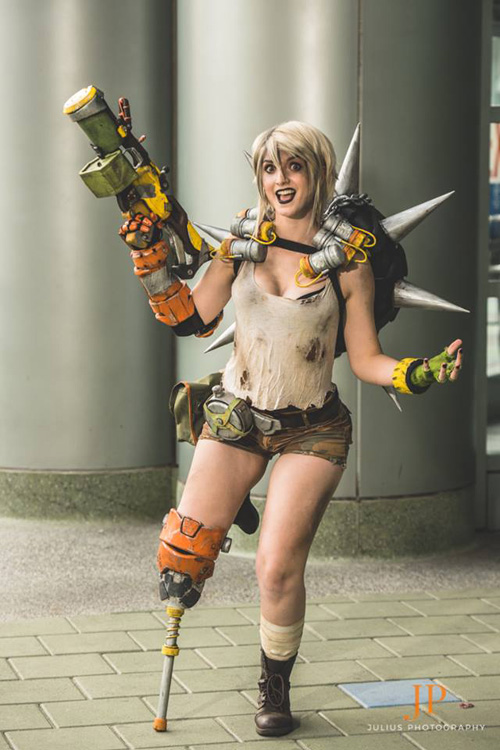 Junkrat from Overwatch Cosplay