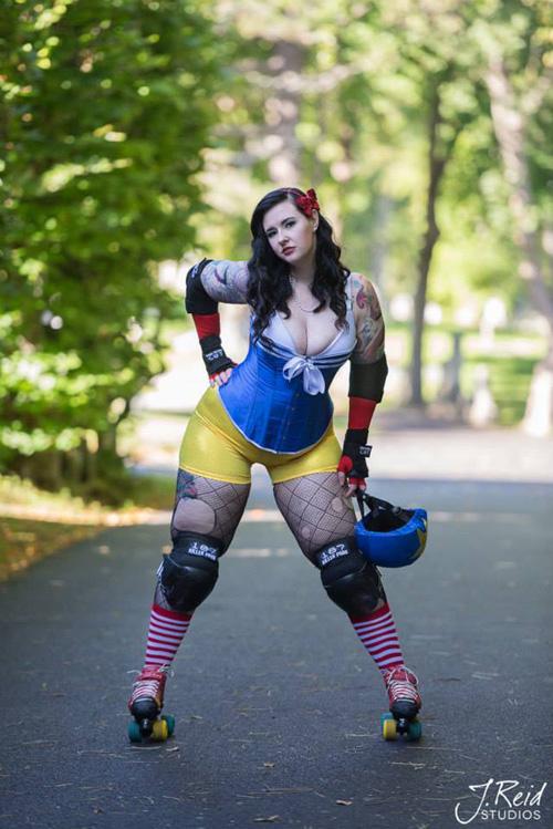 Skater Girl Wallpaper Roller Derby Snow White Cosplay