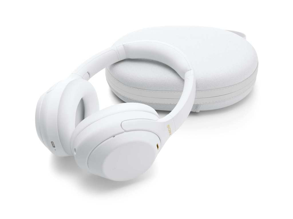 WH-1000XM4 Silent White includes a pearlescent finish to the topcoat of the headphones to create a sense of depth and a luxurious touch.