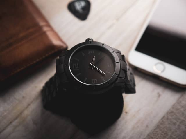 Top 10 Best Men & Women's Luxury Watches In India Under 10000 2