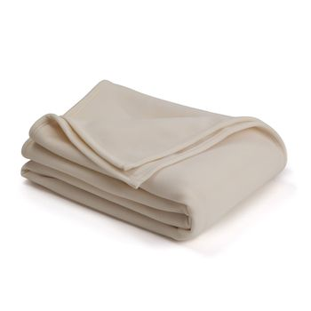 Best Blankets for Winter in India to Sleep Warm at Night 4